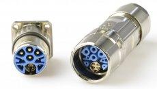 Snel datatransport aan hoog vermogen met de all-in-one M23 hybride connector van Hummel